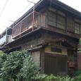 古い路地の建物2